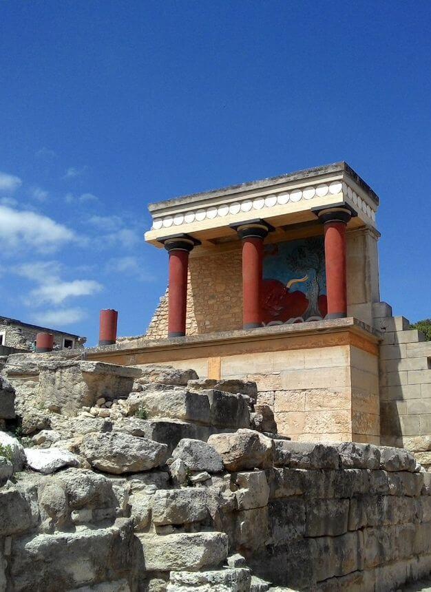 knossos palace ruins
